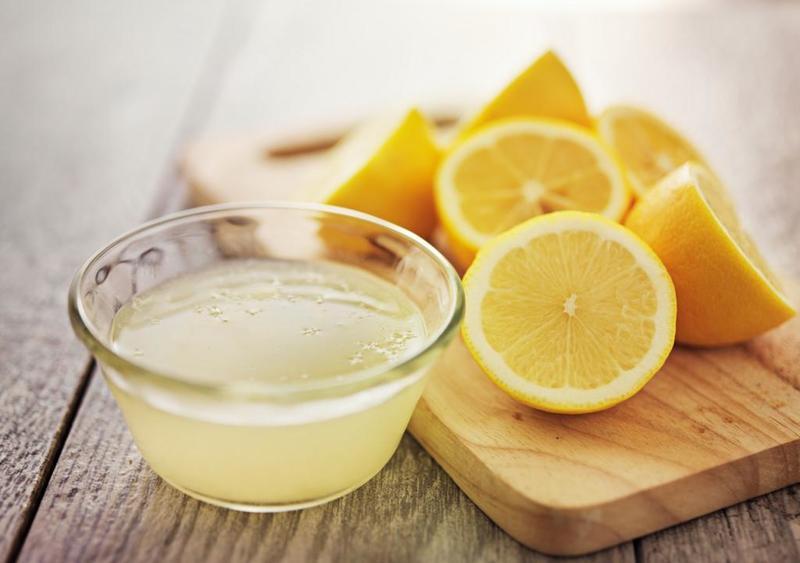 Chanh giúp kích thích mụn mủ khô nhanh giúp dễ dàng loại bỏ
