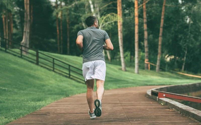 Tập thể dục thường xuyên sẽ ngăn ngừa béo phì làm giảm nội tiết tố nam gây mụn