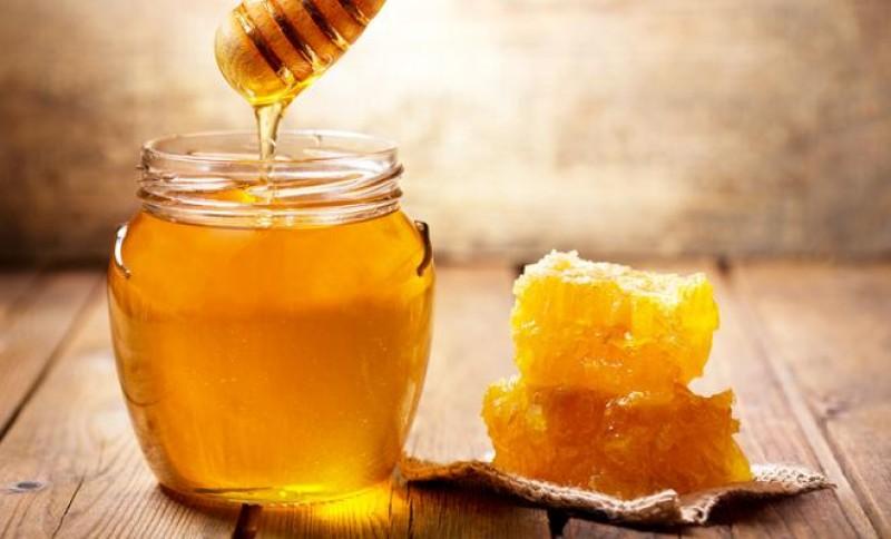 Mật ong sẽ ngăn ngừa sự tấn công của các vi khuẩn gây mụn
