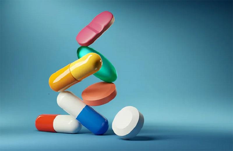 Khi dùng thuốc Tây chữa nổi mề đay ở lưng bệnh nhân cần có sự chỉ dẫn của bác sĩ