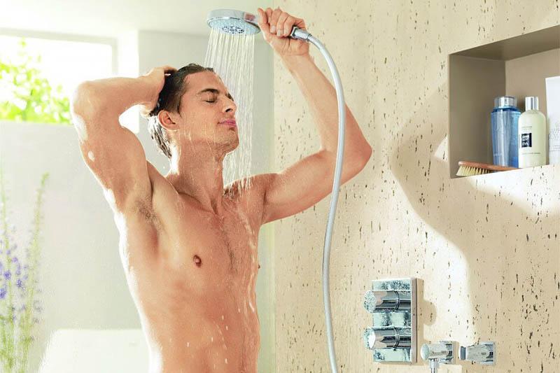 Sau khi sóc lọ xuất tinh, nam giới nên nhớ vệ sinh sạch sẽ cho cậu nhỏ