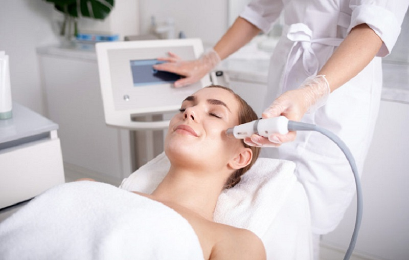Làn da sau khi thực hiện laser để trị nám thường sẽ mỏng và nhạy cảm hơn bình thường