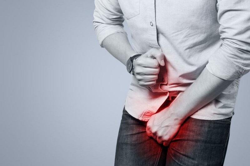 Tình trạng này khiến nam giới có nguy cơ viêm nhiễm dương vật