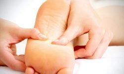 Huyệt ở lòng bàn chân giúp kích thích khí huyết lưu thông tới dương vật