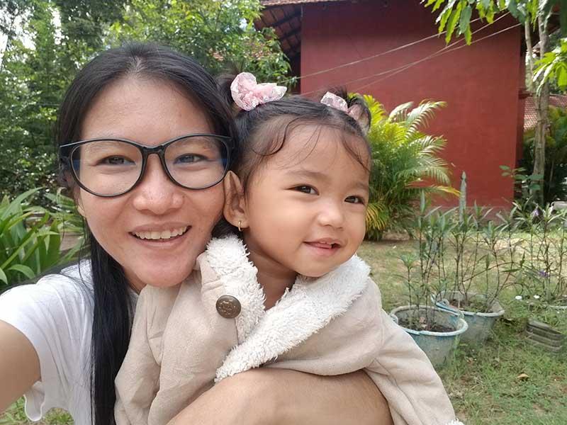 Hình ảnh bé Minh Anh và chị Vũ Thị Hằng