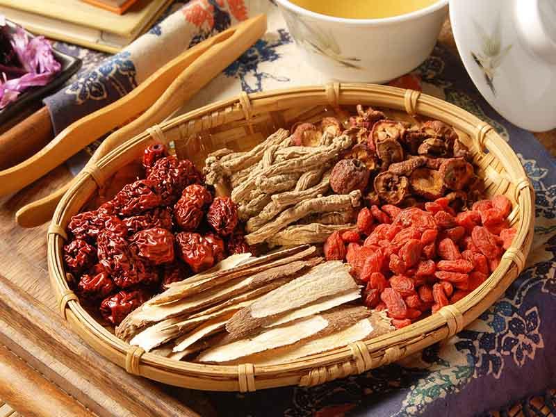 Một số vị thuốc Đông y được sử dụng trong việc điều trị mụn bọc