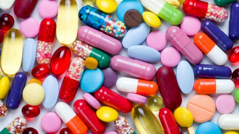 Chữa mẩn đỏ bằng thuốc Tây thận trọng tác dụng phụ