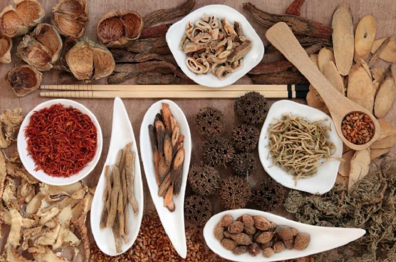 Các bài thuốc Đông y giúp điều trị tận gốc căn nguyên gây mẩn ngứa ở chân