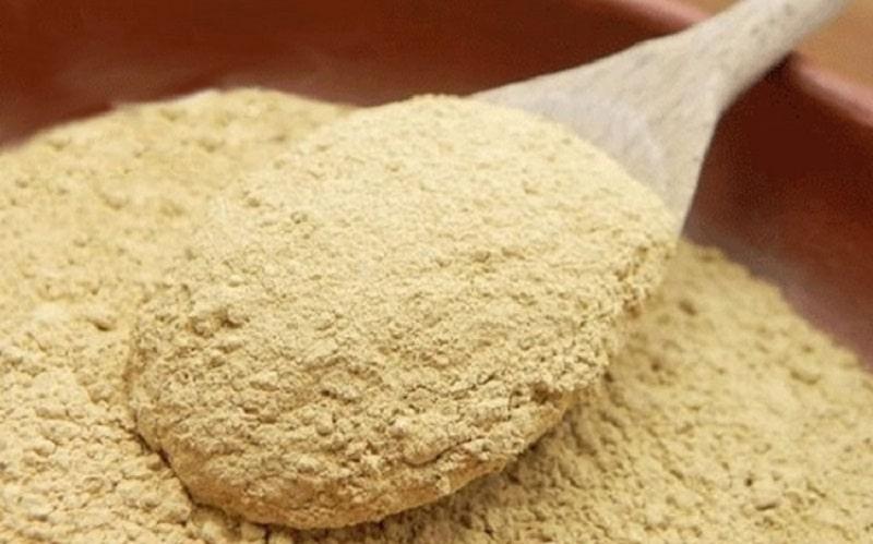 Cám gạo có chứa hàm lượng vitamin B1 cao, có tác dụng làm sáng da và tăng độ đàn hồi