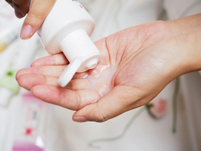 Cần sử dụng các sản phẩm vệ sinh, làm sạch vùng kín phù hợp