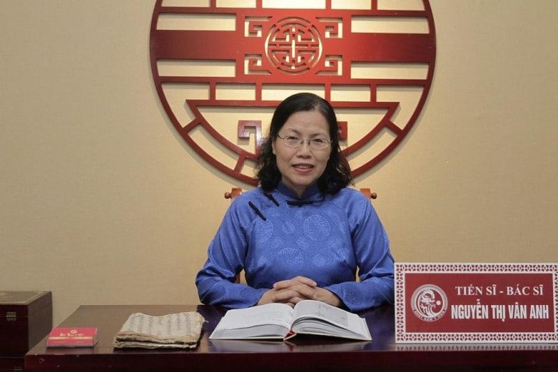 TS. BS Nguyễn Thị Vân Anh đã có tới hơn 30 năm kinh nghiệm khám chữa bệnh