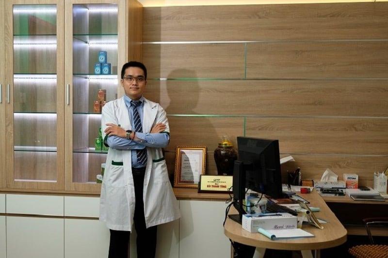 Bác sĩ bác sĩ chữa liệt dương Bùi Thanh Tùng hiện công tác tại chuyên khoa Nam khoa của Thuốc dân tộc