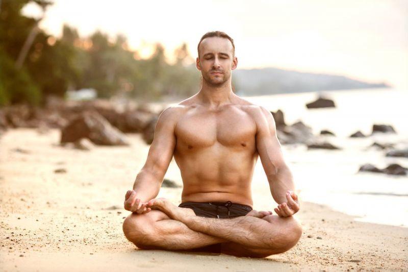 Các tư thế yoga giúp ích rất nhiều cho sức khỏe sinh lý đấng mày râu