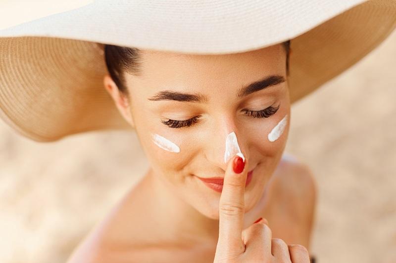 Chống nắng cho da nên là thói quen mỗi ngày, ngăn chặn ảnh hưởng từ tia UV