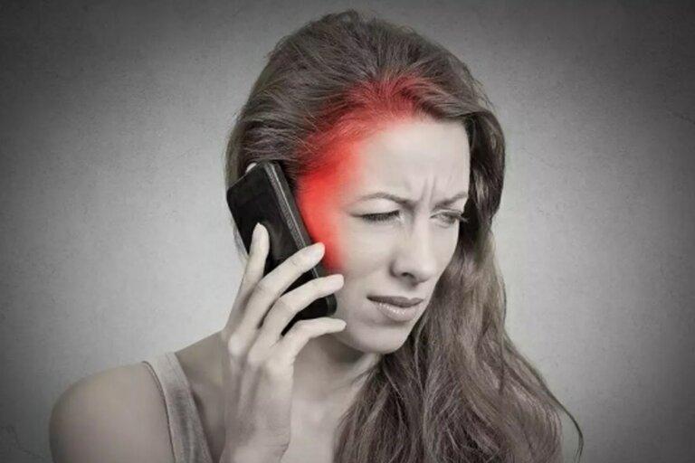 Tránh xa thiết bị điện tử trước khi ngủ là cách chữa mất ngủ tiền mãn kinh hiệu quả