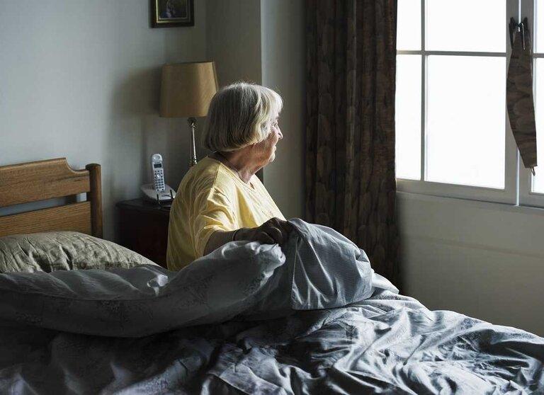Phụ nữ bước vào độ tuổi trung niên dễ bị mệt mỏi, suy nhược, mất ngủ