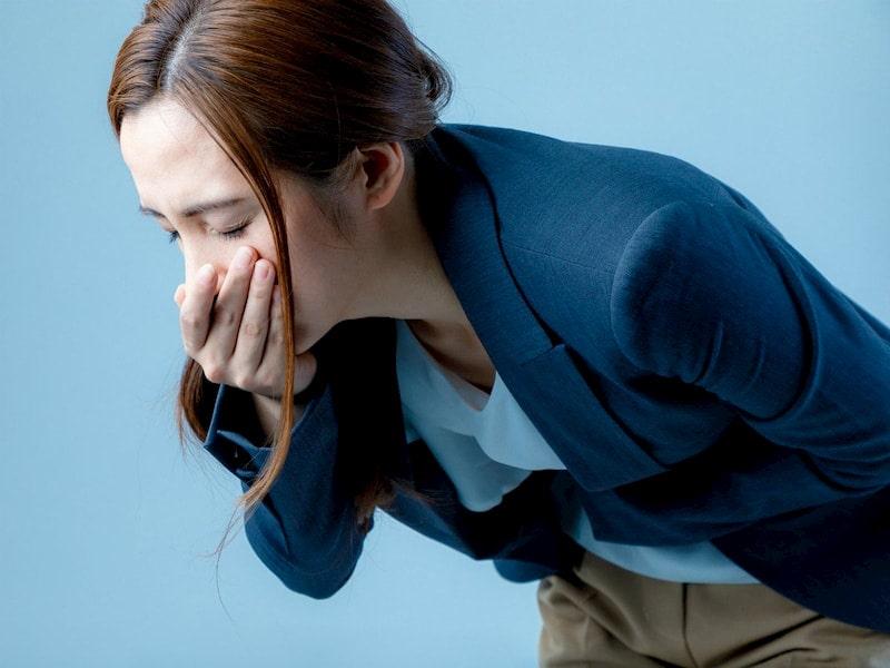 Nôn ra máu là triệu chứng bước đầu của các bệnh lý viêm loét ở đường tiêu hóa