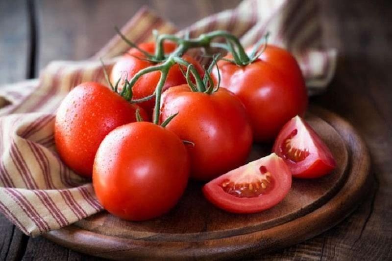 Người bệnh chỉ nên chọn những quả tươi mới, có màu đỏ đậm và không bị dập