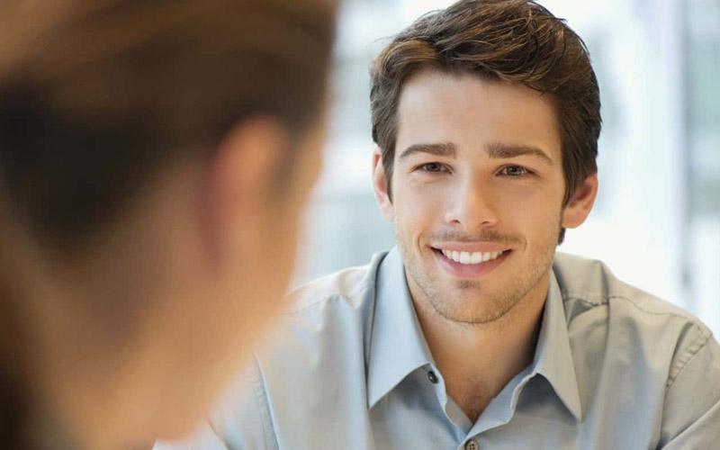Dấu hiệu nhận biết chàng thèm muốn bạn thông qua ánh nhìn