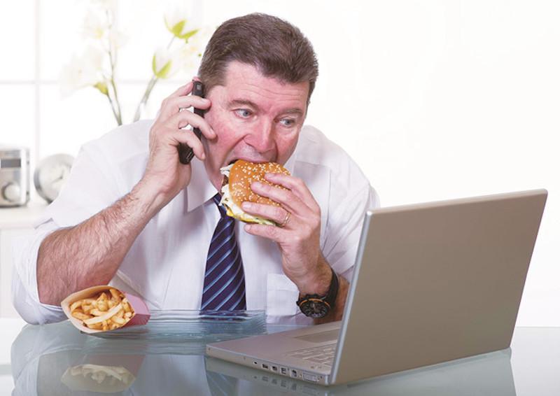 Thói quen ăn uống kém khoa học, stress căng thẳng là những nguyên nhân gây bệnh