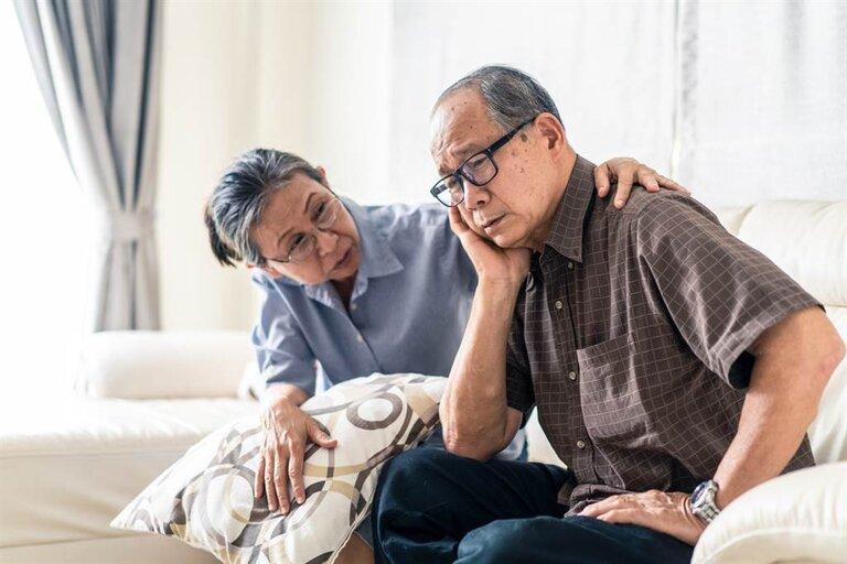 Người già mất ngủ thường xuyên và kéo dài ảnh hưởng tới sức khỏe
