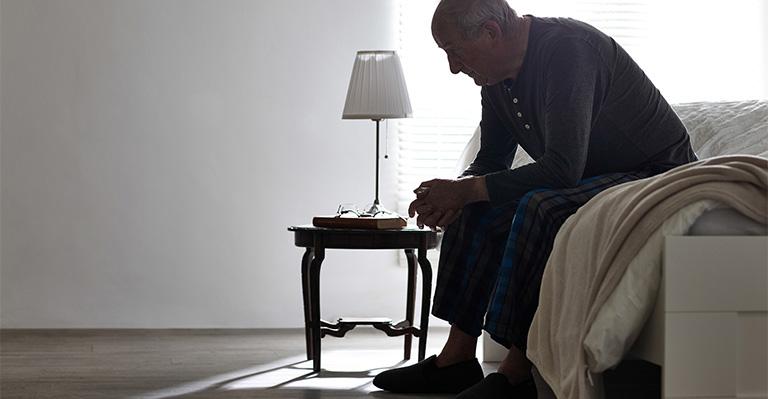 Mất ngủ tuổi già dẫn đến tình trạng suy kiệt cơ thể