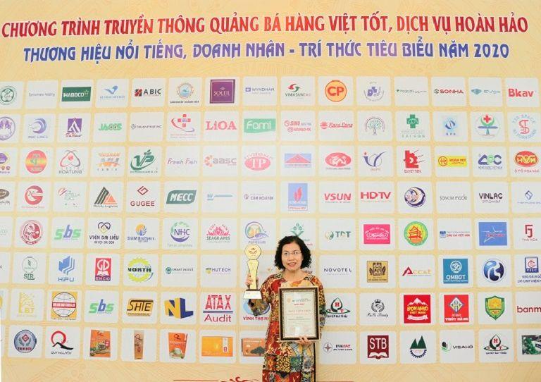 TS.BS Nguyễn Thị Vân Anh vinh dự nhận giải thưởng top 20 thương hiệu tốt nhất 2020