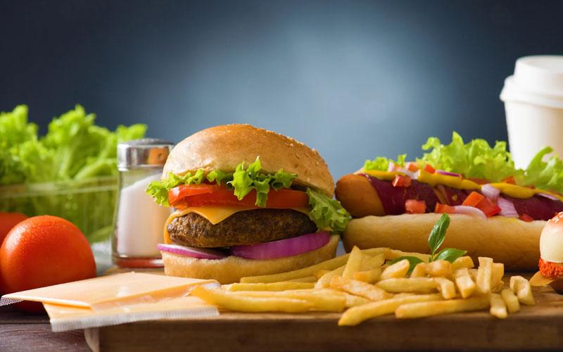 Nam giới nên hạn chế ăn đồ ăn đóng hộp, đồ ăn nhanh