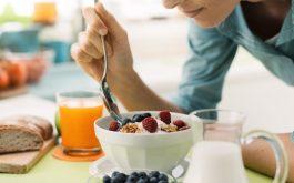 [Tìm hiểu]: Đau dạ dày có nên ăn sữa chua không? Ăn như thế nào?
